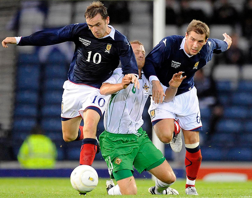 20TH AUG 2008, SCOTLAND V NORTHERN IRELAND, HAMPDEN PARK, GLASGOW, JAMES MCFADDEN AND KEVIN THOMPSON IN ACTION, ROB CASEY PHOTOGRAPHY. (ROB CASEY/ROB CASEY PHOTOGRAPHY)
