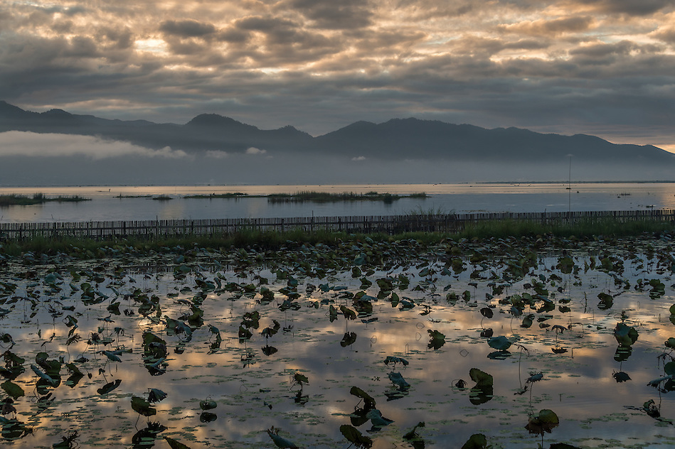 View of Inle Lake scenery early in the morning in Myanmar (Daniel Korzeniewski)