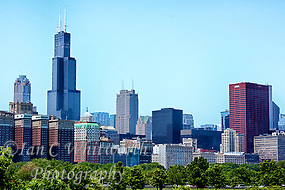 View of the Chicago skyline with the Sears Tower (Ian C Whitworth)