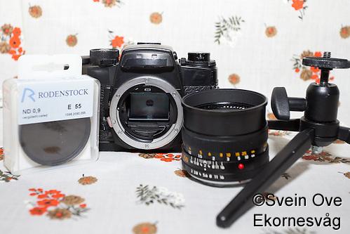 Gråfilter, kamerahus, 50mm og ministativ. Foto: Svein Ove Ekornesvåg (Svein Ove Ekornesvaag/Svein Ove Ekornesvåg)