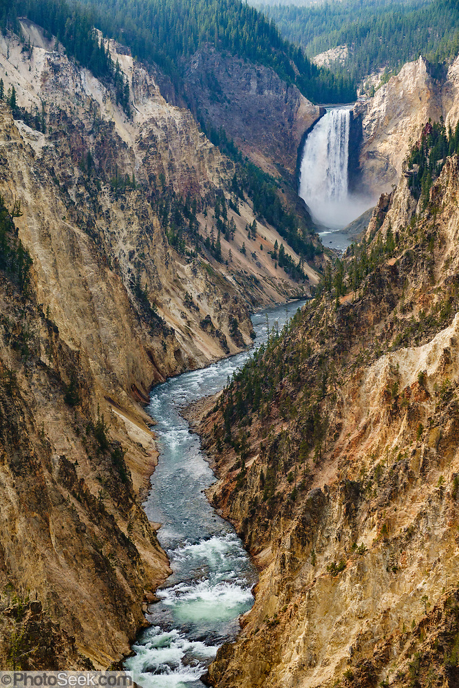 Lower Yellowstone Falls seen from Artist Point on South Rim Trail. The Yellowstone River flows through the Grand Canyon of the Yellowstone in Yellowstone National Park, in Wyoming, USA.  (© Tom Dempsey / PhotoSeek.com)