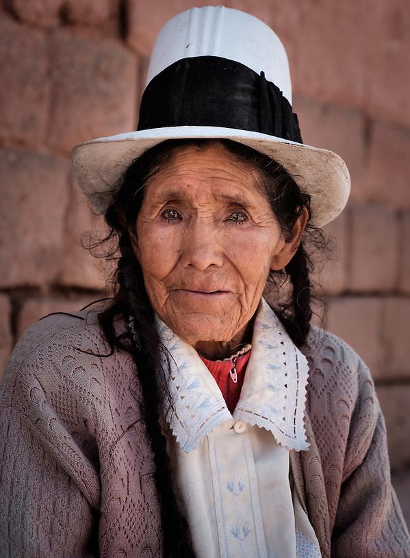 MARAS, PERU - CIRCA OCTOBER 2015: Portrait of local woman in the town of Maras, a small village in the Cusco region known as Sacred Valley (Daniel Korzeniewski)