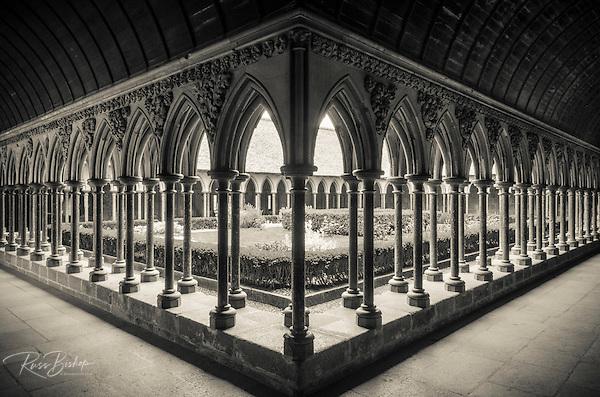 The abbey cloister, Mont Saint-Michel, Normandy, France (© Russ Bishop/www.russbishop.com)