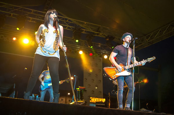 Thompson Square Performing at the Decatur Celebration 2016 (George Strohl)