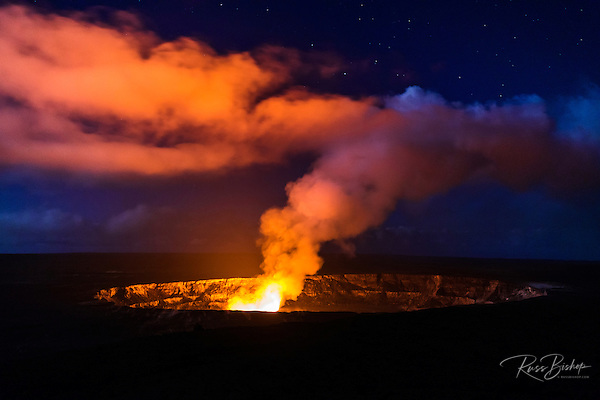 Lava steam vent glowing at night in the Halemaumau Crater, Hawaii Volcanoes National Park, Hawaii USA (© Russ Bishop/www.russbishop.com)