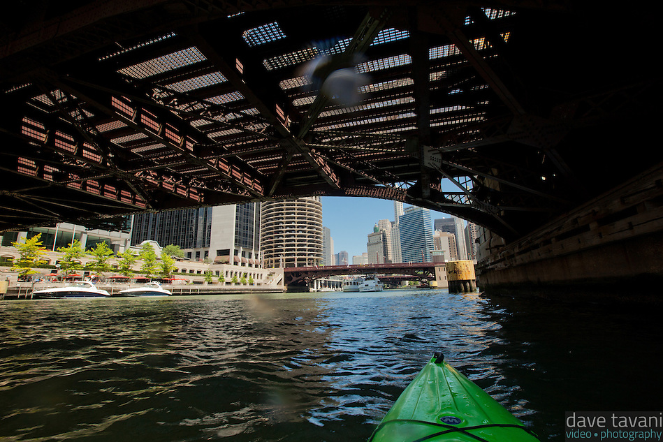 I pass under the Clark Street Bridge while kayaking the Chicago River. (Dave Tavani)