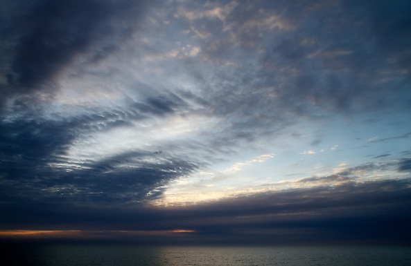 Sunrise, the Great Big Sky, Lake Ontario, The Beaches (Toronto, Canada). (© Dean Oros Photography + Design)