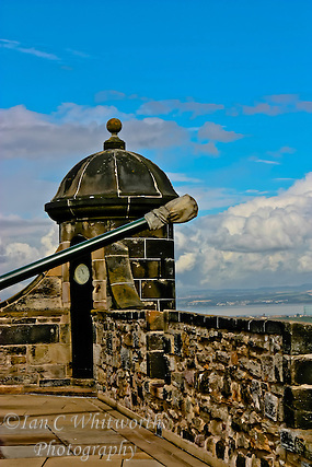 A view from on top of Edinburgh Castle (Ian C Whitworth)