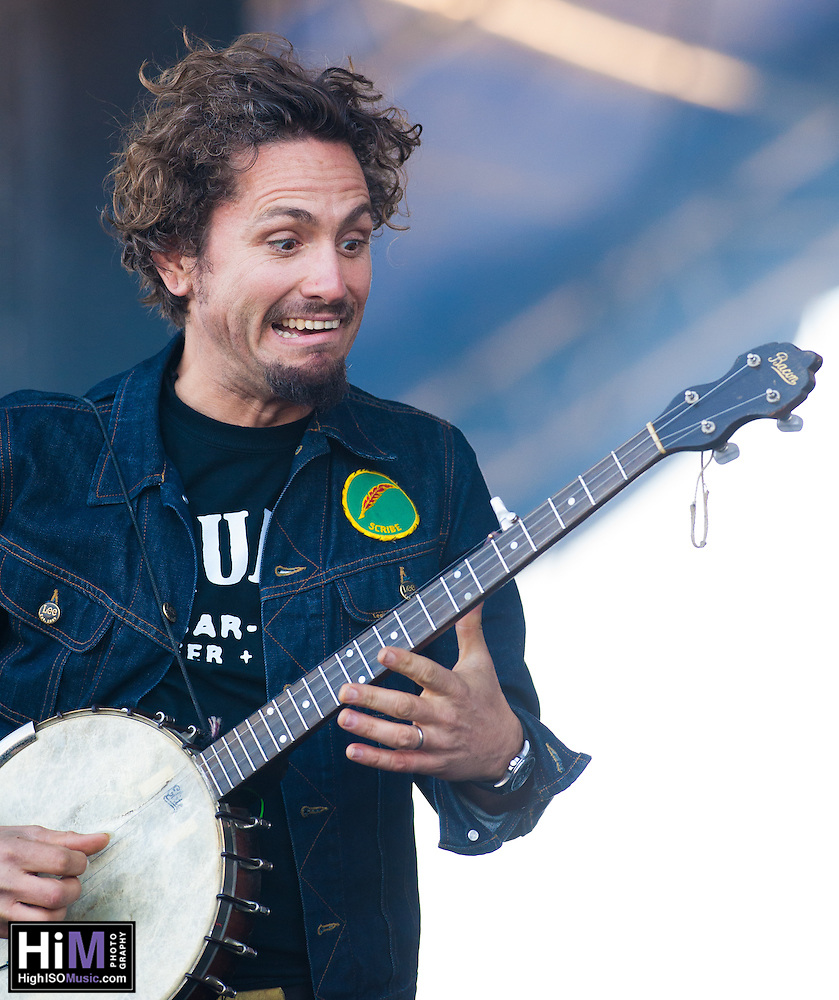 The John Butler Trio performs at the 2014 Voodoo Music Experience in New Orleans, LA. (HIGH ISO Music, LLC)