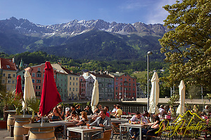 "Outdoor cafe, Innsbruck Austria, old town,  Nordkette mountain (© Daryl Hunter's ""The Hole Picture""/Daryl L. Hunter)"