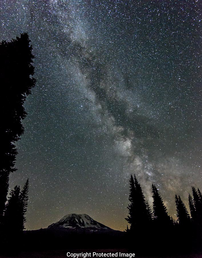 The Milky Way twinkled above Mt Adams and Muddy Meadows. (Thomas Bancroft)