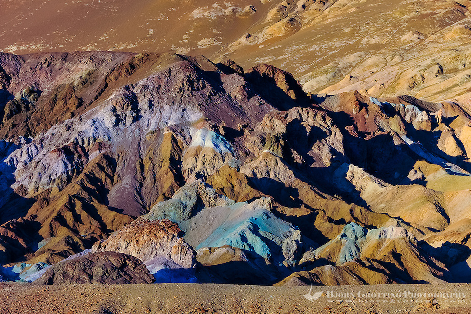 United States, California, Death Valley. Artist's Drive at the foot of the Black Mountains. Artist's Palette is famous for the various colors of rock. (Photo Bjorn Grotting)