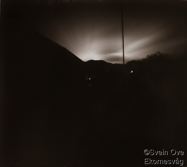 Diverse bilder tatt med hjemmelaget pinholekamera. (Svein Ove Ekornesvåg)