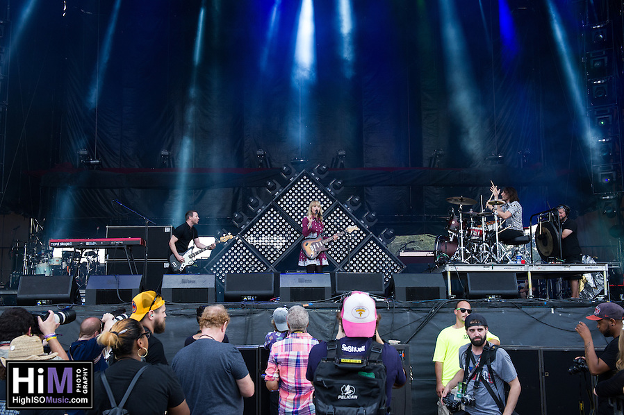 The Joy Formidable at Voodoo Fest 2015. (HIGH ISO Music, LLC)