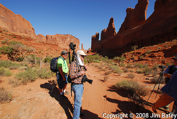 Tripod Headcam. Park Avenue Trail, Arches National Park. (Jim Batey)