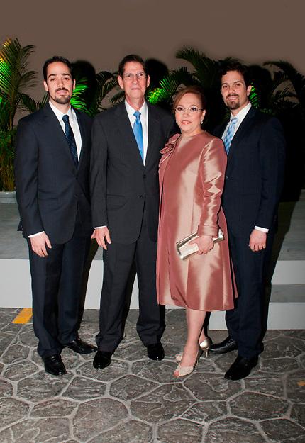 Fabio José Guzmán Saladín, Fabio Guzmán Ariza, Vivian Saladín de Guzmán y Alfredo Guzmán Saladí