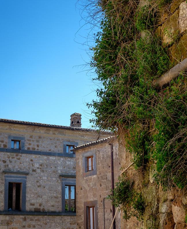 CIVITA DI BAGNOREGIO ITALY - CIRCA MAY 2015: Old walls and windows in Civita di Bagnoregio. (Daniel Korzeniewski)