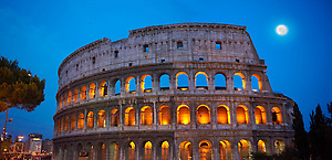Coloseum ( Colosseo) at night . Rome (Paul Williams)