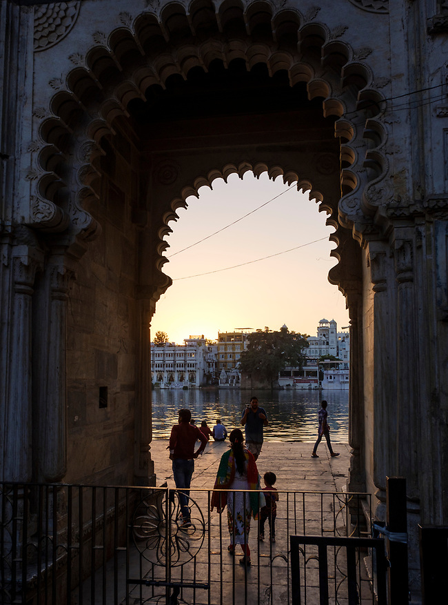 UDAIPUR, INDIA - CIRCA NOVEMBER 2016: Gate and pedestrian access to Lake Pichola at sunset in Udaipur (Daniel Korzeniewski)