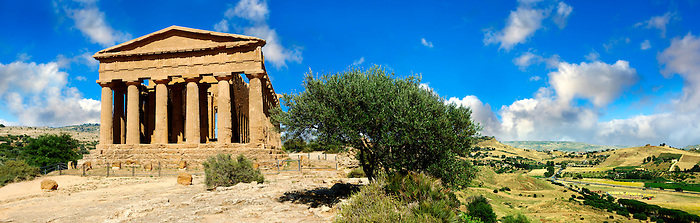 Greek Temple of Concordia, Agrigento, sicily (Paul Williams)