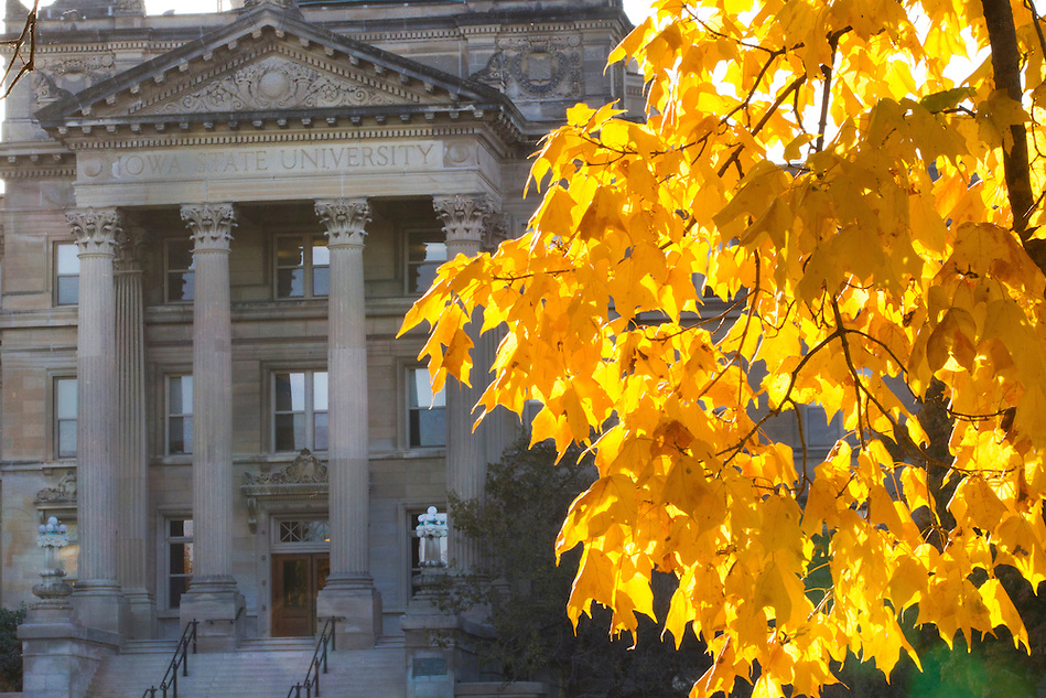 Fall colors bloom near Beardshear Hall on the campus of Iowa State University in Ames, Iowa. (Christopher Gannon/Gannon Visuals) (Christopher Gannon)