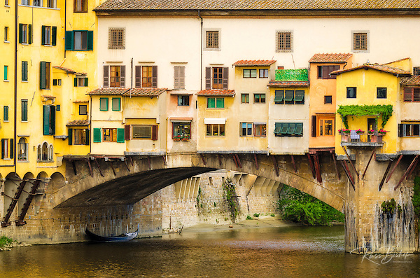 Shop windows and shutters, Ponte Vecchio, Florence, Tuscany, Italy (© Russ Bishop/www.russbishop.com)