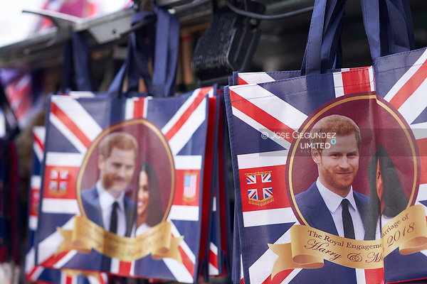 Merchandising of Prince Harry and Meghan Markle at the London Stores before the Royal Wedding of Prince Harry and Meghan Markle on May 18, 2018 in London, , United Kingdom (© JOSE GEGUNDEZ)
