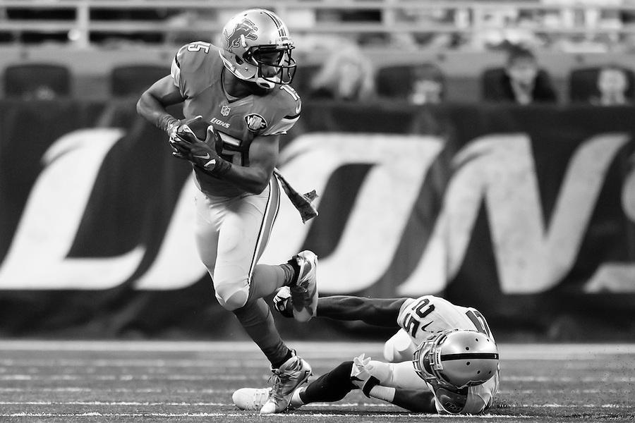 Detroit Lions wide receiver Golden Tate (15) rushes on Oakland Raiders cornerback D.J. Hayden (25) during an NFL football game at Ford Field in Detroit, Sunday, Nov. 22, 2015. (AP Photo/Rick Osentoski) (Rick Osentoski/AP)