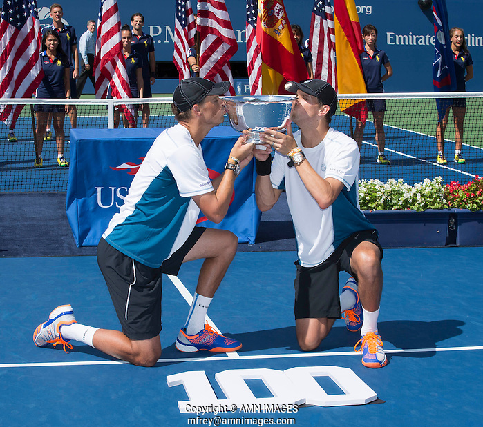 MIKE BRYAN (USA), BOB BRYAN (USA) The US Open Tennis Championships 2014 - USTA Billie Jean King National Tennis Centre -  Flushing - New York - USA -   ATP - ITF -WTA  2014  - Grand Slam - USA   7th September 2014.  © AMN IMAGES (FREY/FREY-AMN IMAGES)