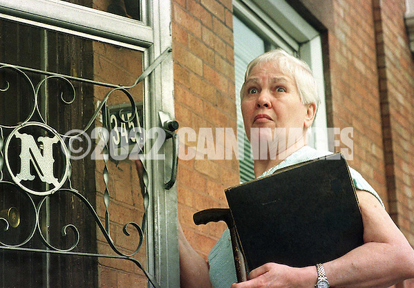 Marie Noe arrives at her home in Philadelphia, Monday, June 28, 1999. The 70-year-old Noe plead guilty Monday to smothering eight of her ten young children under a plea agreement with prosecutors in a case that dated back to 1949. Under the plea agreement, Mrs. Noe will serve no jail time in exchange for pleading guilty to eight counts of second-degree murder and will be sentenced to 20 years of probation. (AP Photo/William Thomas Cain) (WILLIAM THOMAS CAIN/AP)