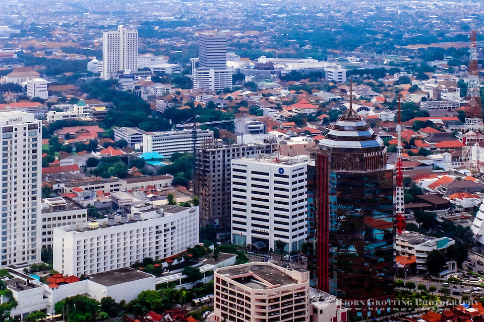 Java, East Java, Surabaya. The center of Surabaya. The Kalimas river to the right (from helicopte r). (Bjorn Grotting)