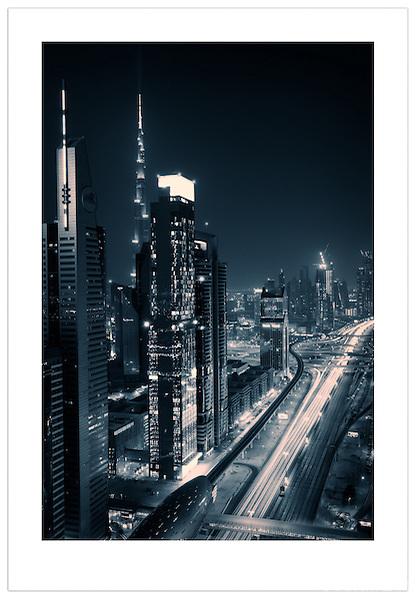 Sheikh Zayed Road - Dubai, U.A.E. (©Ian Mylam)