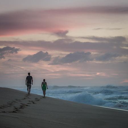 Oahu's north Shore, Hawaii (© Clark James Mishler)