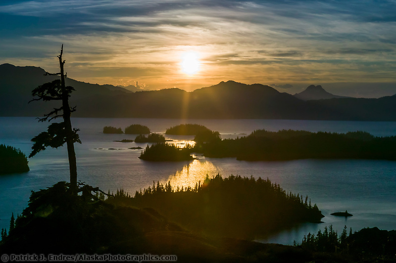 Western shore islands of Knight Island, Prince William Sound, Kenai mountains, Chugach national forest, Alaska (Patrick J. Endres / AlaskaPhotoGraphics.com)