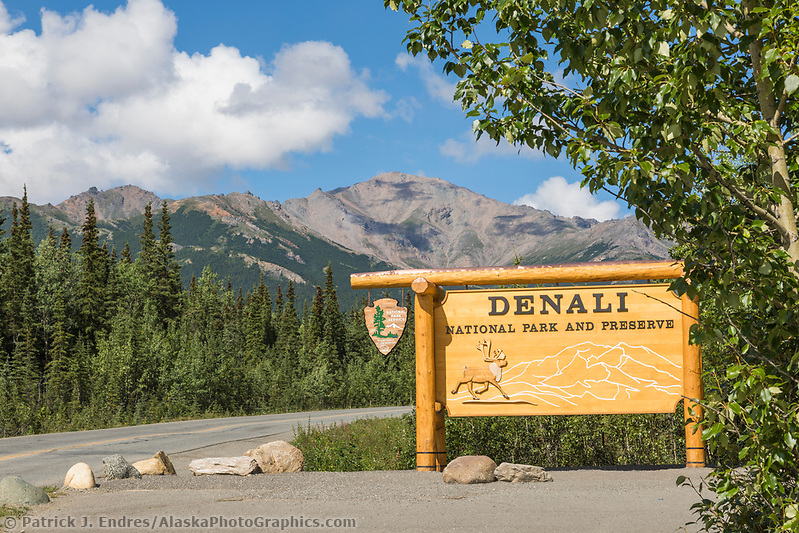 Denali National Park photos: Park service entrance sign to Denali National Park, Alaska. (Patrick J Endres / AlaskaPhotoGraphics.com)