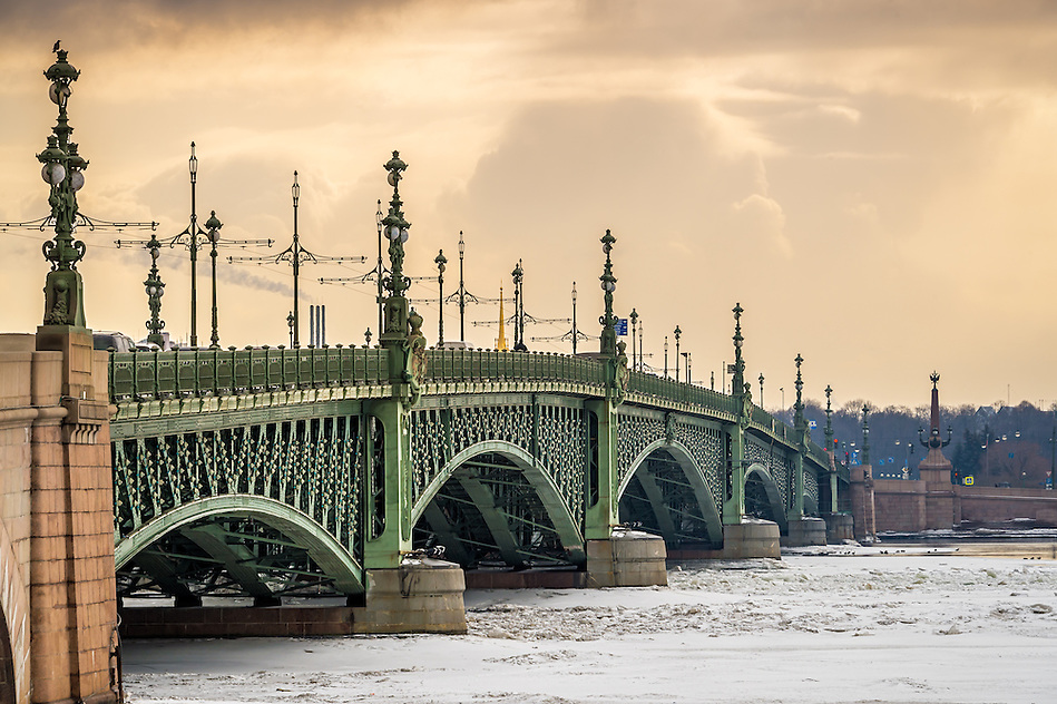 View of the Trinity Bridge in St. Petersburg over the frozen Neva River in during the afternoon. (Daniel Korzeniewski)