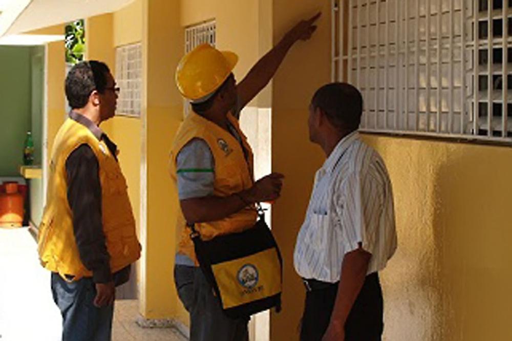 Oficina de evaluaci n s smica inspeccionar edificios zona for Oficina nacional de evaluacion