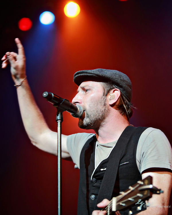 Mat Kearney opens for Owl City July 15th, 2011 at the Paramount Theatre in Seattle, Washington (Elisa Sherman)