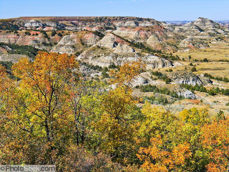 Badlands, Theodore Roosevelt National Park South Unit, in the Great Plains along Interstate 94 near Medora, North Dakota, USA. (Copyright Tom Dempsey / www.photoseek.com)