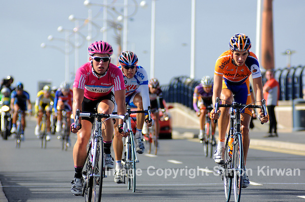 Mark Cavendish wins sprint at Southport in 2007 Tour of Britain - photo by Simon Kirwan