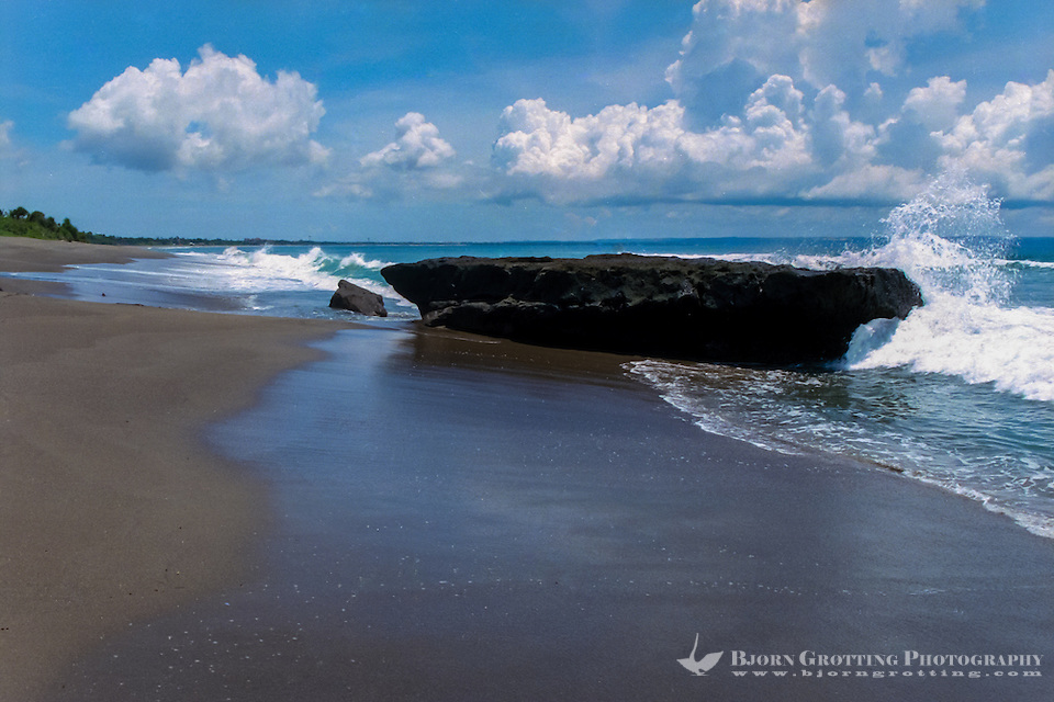 Bali, Badung, Canggu. The Canggu beach looking south towards Kuta. (Photo Bjorn Grotting)