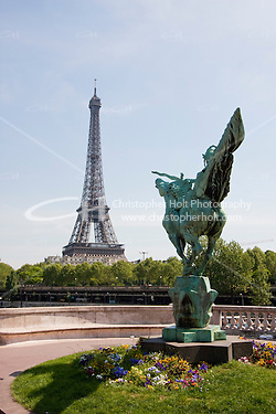 viaduc de passy in Paris France in Spring time of May 2008 (Christopher Holt LTD - LondonUK, Christopher Holt LTD/Image by Christopher Holt - www.christopherholt.com)