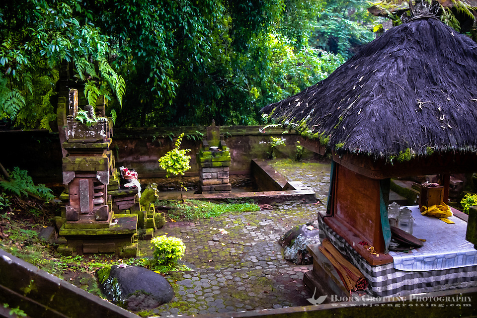 Bali, Tabanan, Yeh Panes. Hot springs and spa. The hot spring is surfacing inside this small temple. (Photo Bjorn Grotting)