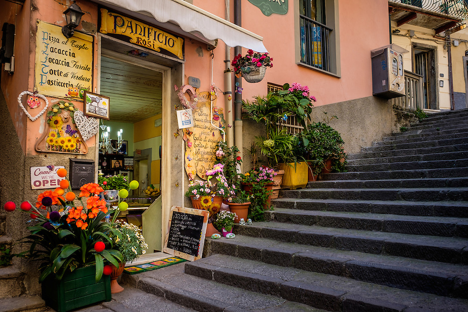 RIOMAGGIORE, ITALY - CIRCA MAY 2015: Typical store in the village of Riomaggiore in Cinque Terre, Italy. (Daniel Korzeniewski)