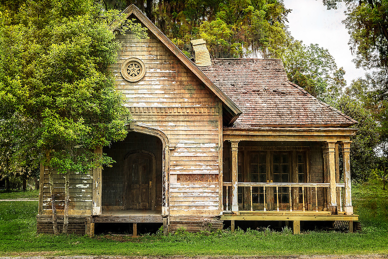 """Tim Burton's abandoned """"Big Fish"""" movie set, the town of Spectre. (Walter Arnold)"""