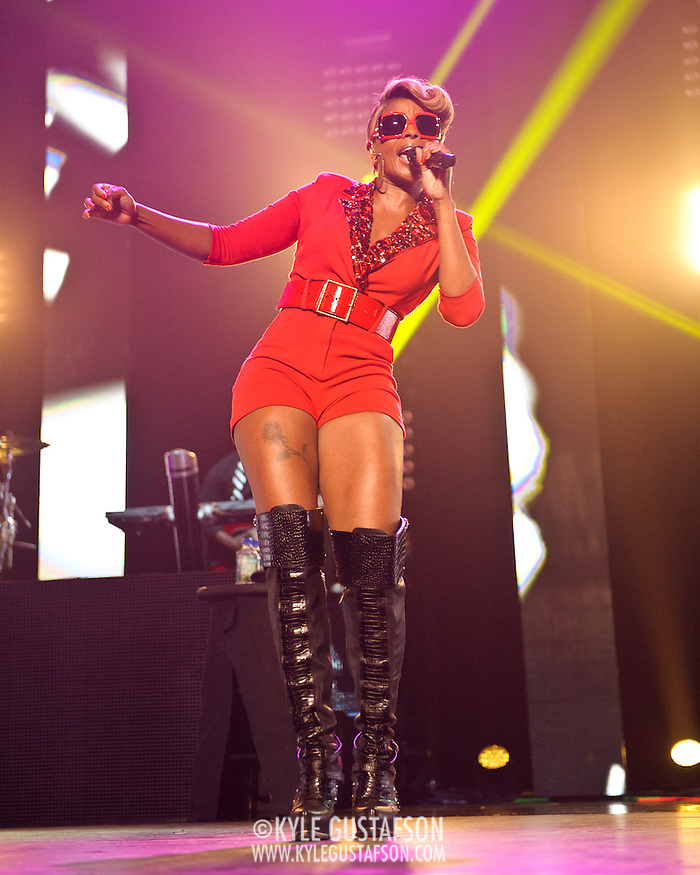 WASHINGTON, DC - August 26th, 2012 - R&B heavyweight Mary J. Blige performs at the Verizon Center in Washington, D.C.  (Photo by Kyle Gustafson) (Kyle Gustafson)