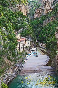 Fumore is a fiord on the Amalfi Coast and is an old fishing village with quaint homes built into the cliff