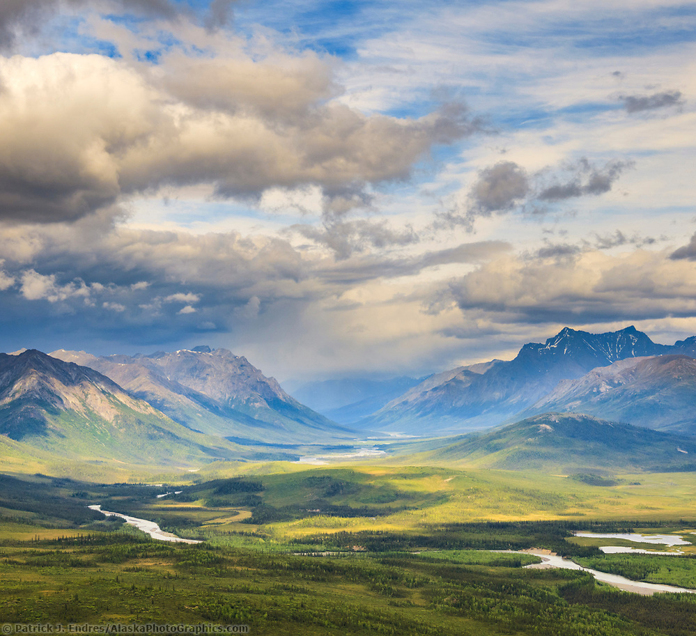 North fork, Koyukuk River, Gates of the Arctic National Park, Brooks Range, Alaska. (Patrick J Endres / AlaskaPhotoGraphics.com)