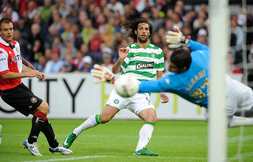 3RD AUG 2008, FEYENOORD V CELTIC, IN THE FEYENOORD JUBILEE TOURNAMENT, DE KUIP STADION, ROTTERDAM, GEORGIOS SAMARAS SCORES FOR CELTIC, ROB CASEY PHOTOGRAPHY. (ROB CASEY/ROB CASEY PHOTOGRAPHY)
