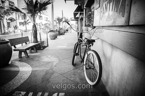Photo of California beach crusier bike in Newport Beach California. Taken at Cabo Cantina on Main Street on Balboa Peninsula in Orange County Southern California. (Photographer: Paul Velgos)